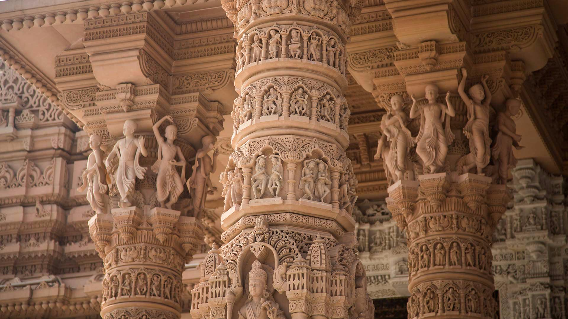 Visit the swaminarayan akshardham temple delhi